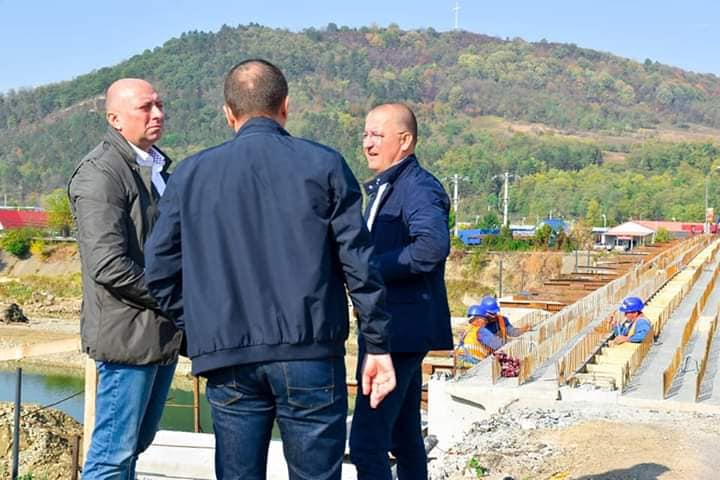 Verificare stadiu lucrări la șantierul podului de peste râul Trotuș, din Municipiul Onești