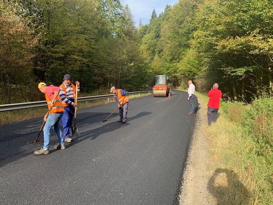 Se finalizează asfaltarea DN11